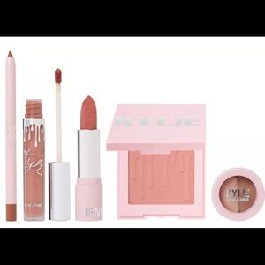 ❄️New Kylie Cosmetics 2019 Holiday 3pc. Lip Set❄️